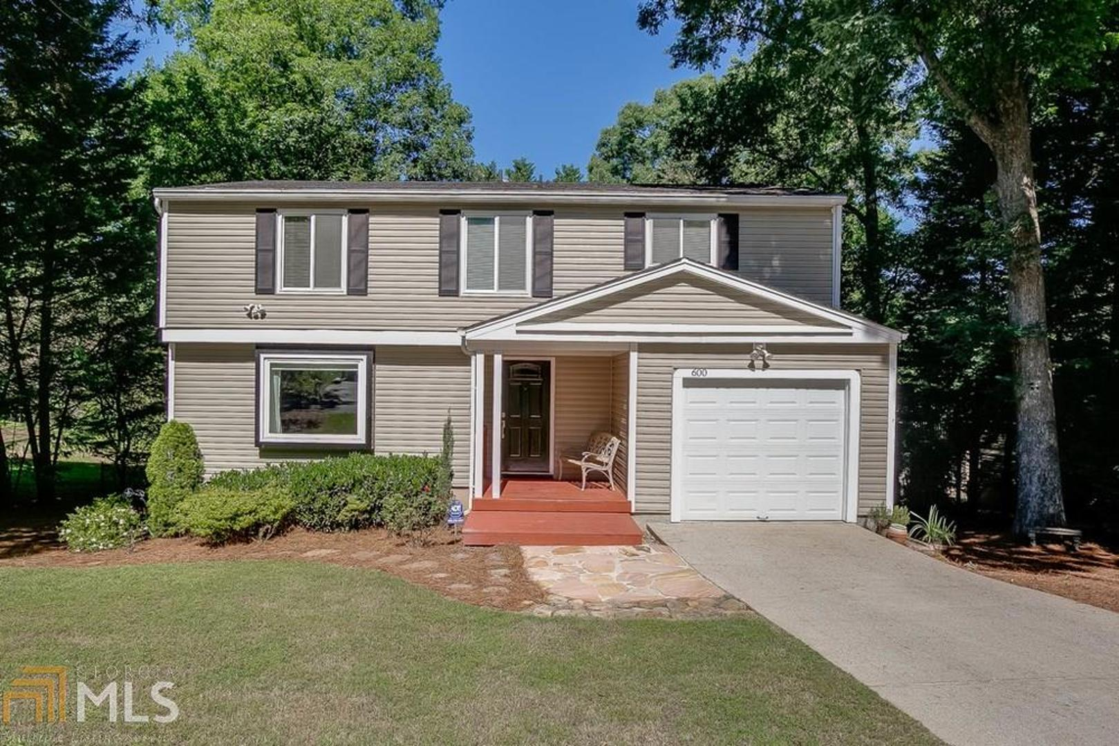 View Slide 0 for listing 8604773