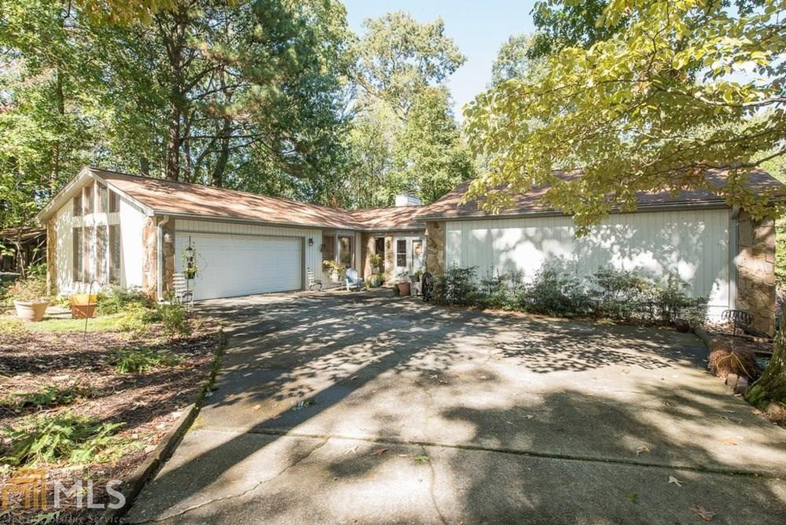 View Slide 0 for listing 8682940