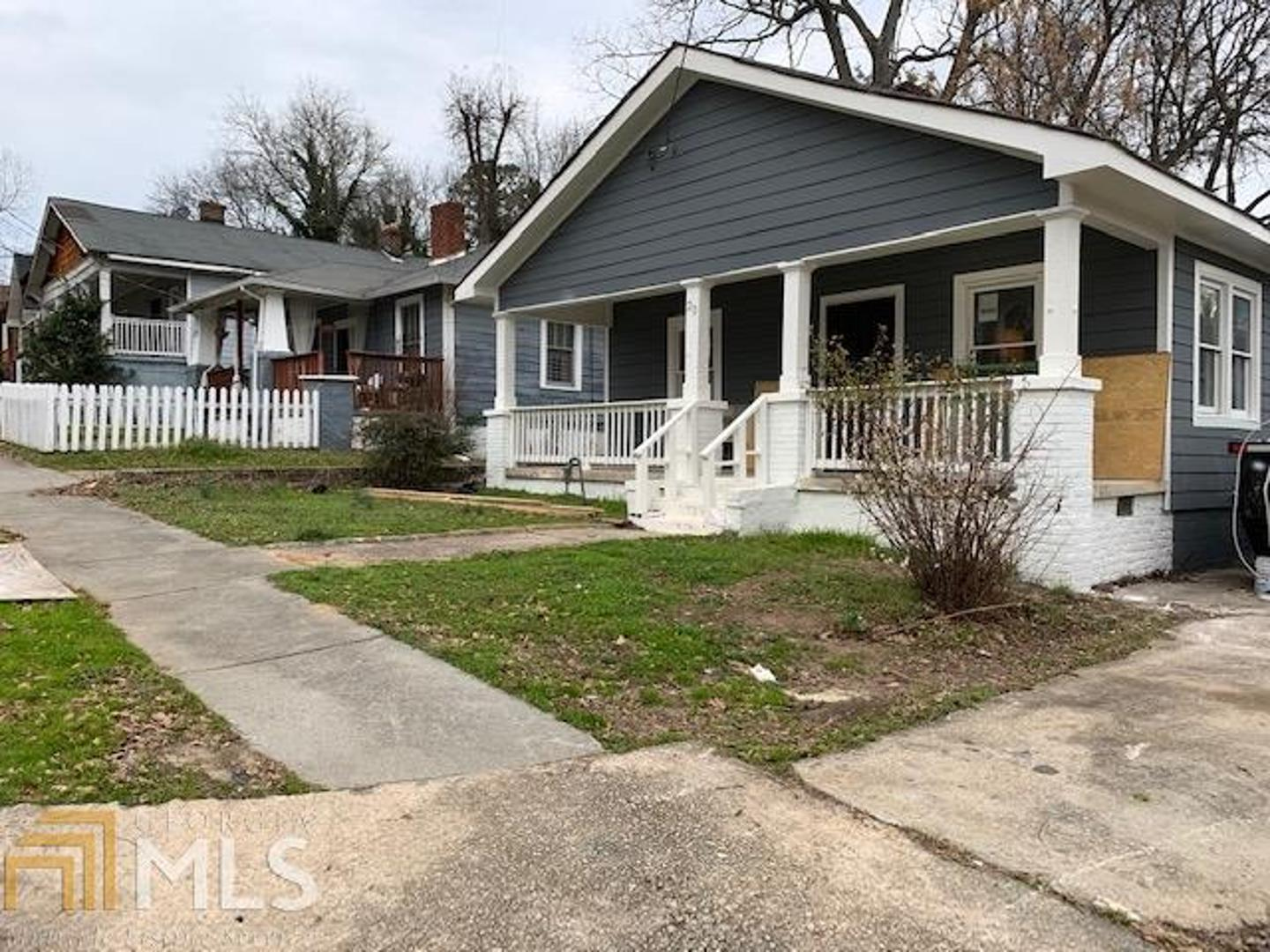 View Slide 0 for listing 8731754