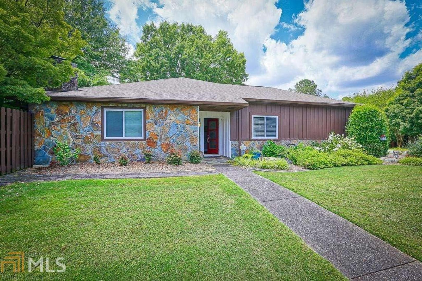 View Slide 0 for listing 8805347