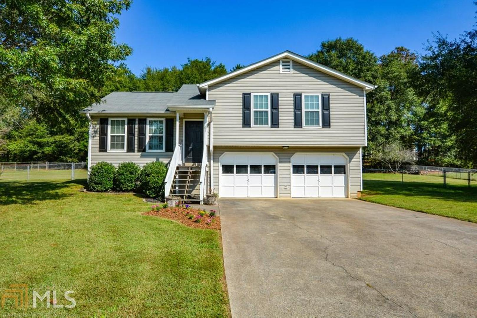View Slide 0 for listing 8864379