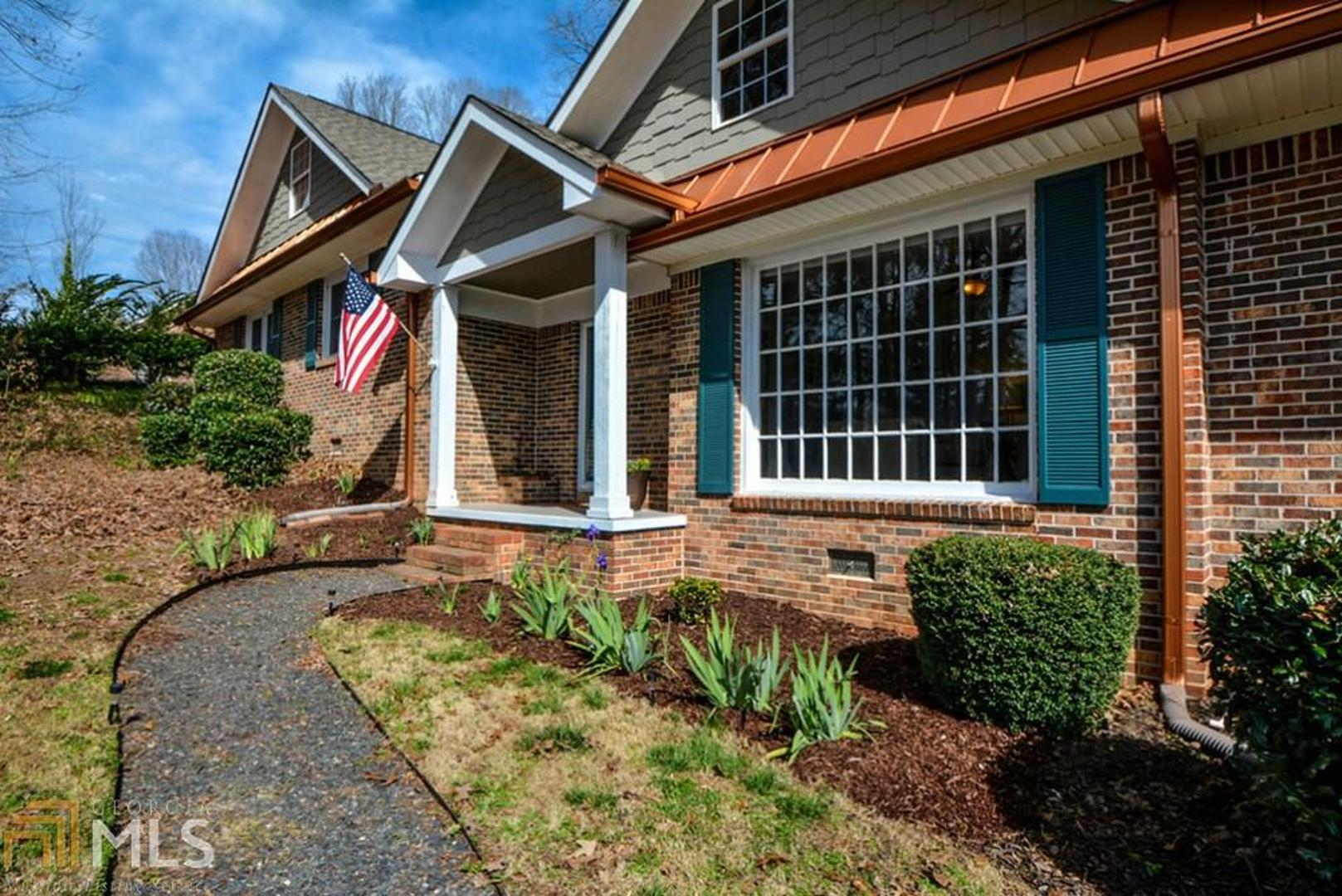View Slide 0 for listing 8527396