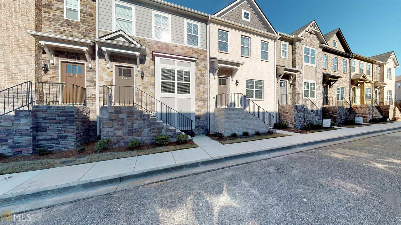 View Slide 0 for listing 8777974