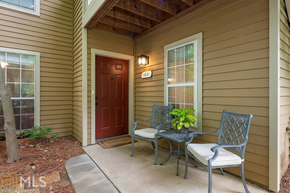 View Slide 0 for listing 8790731