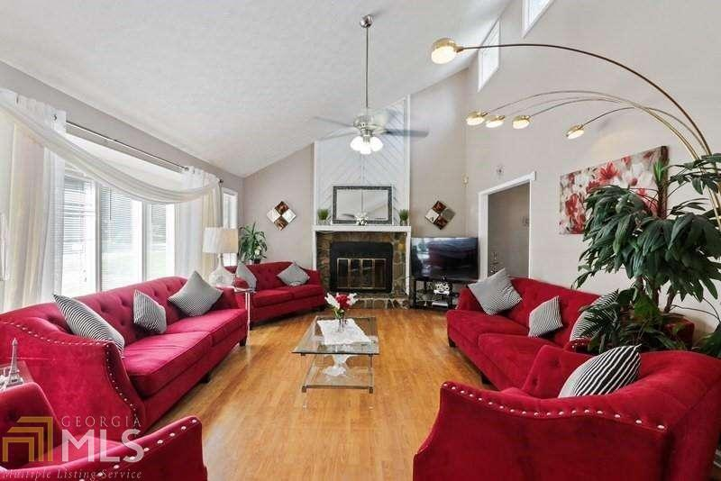 View Slide 0 for listing 8918391