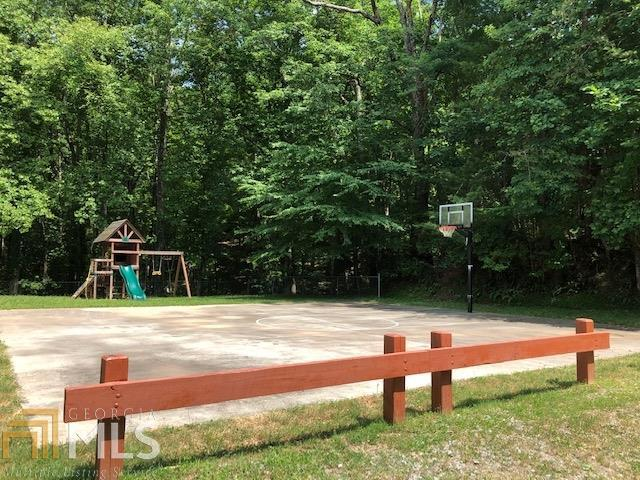 View Slide 17 for listing 8595570