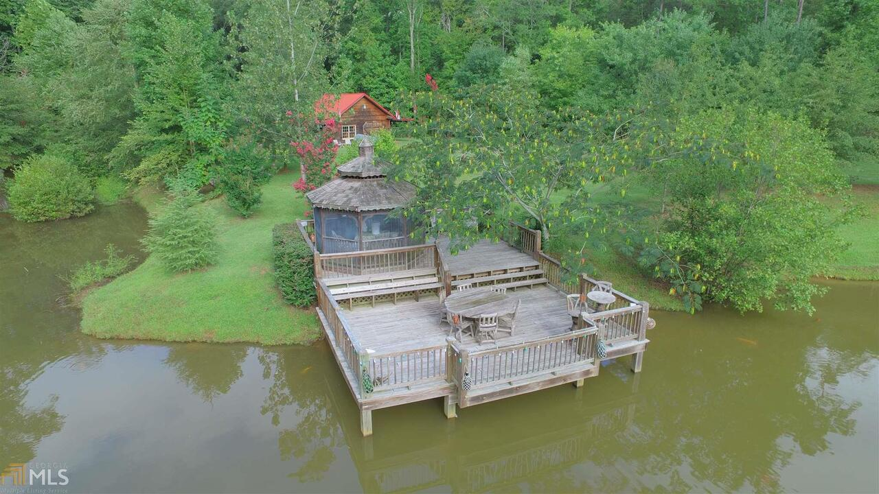 View Slide 56 for listing 8644810