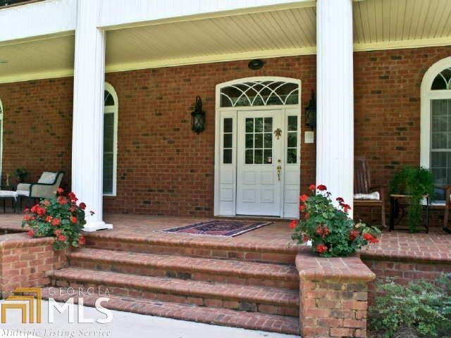 View Slide 32 for listing 8644810