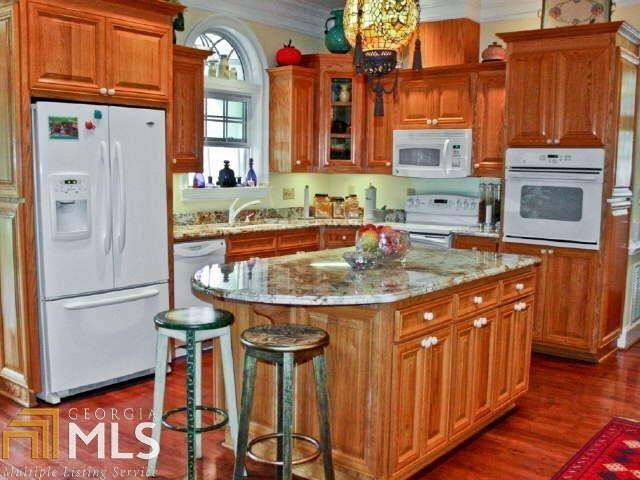 View Slide 7 for listing 8644810