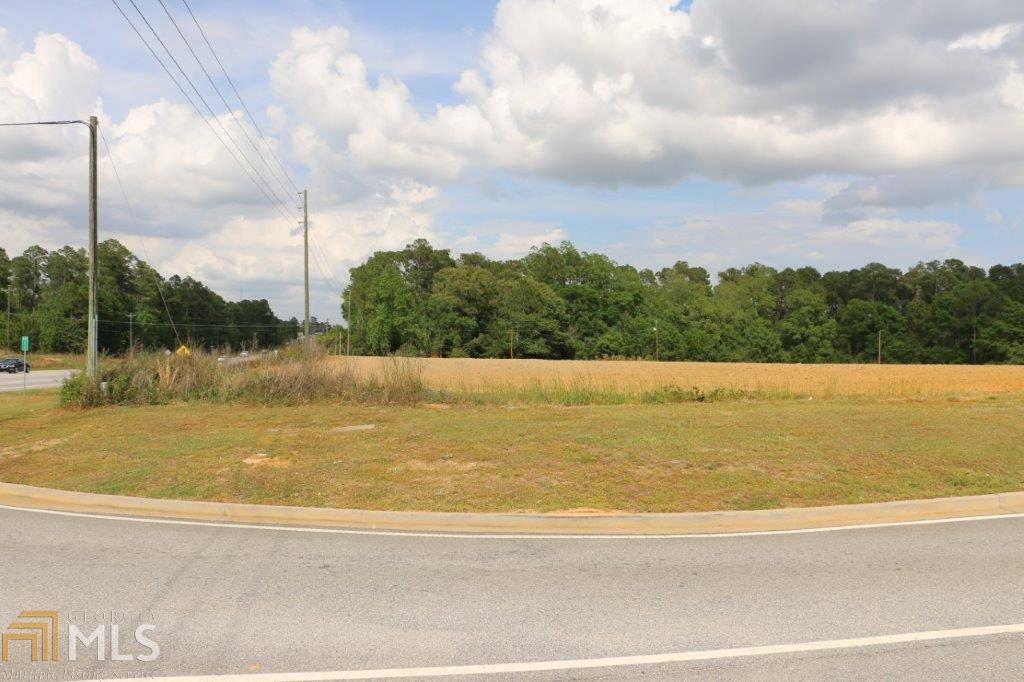 View Slide 10 for listing 8176030