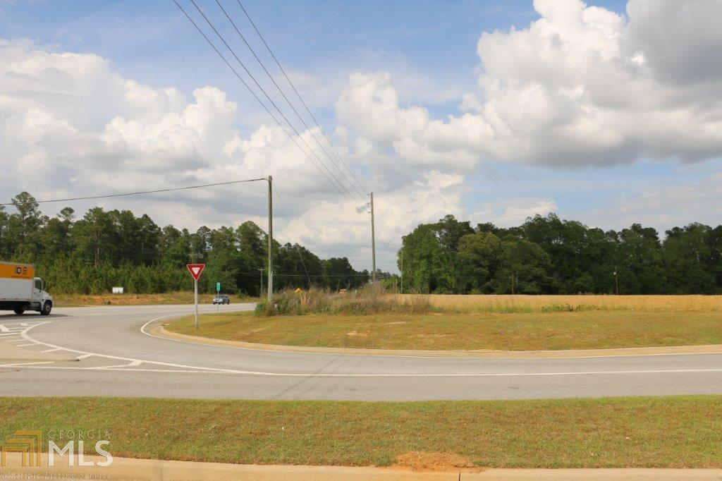 View Slide 13 for listing 8176030