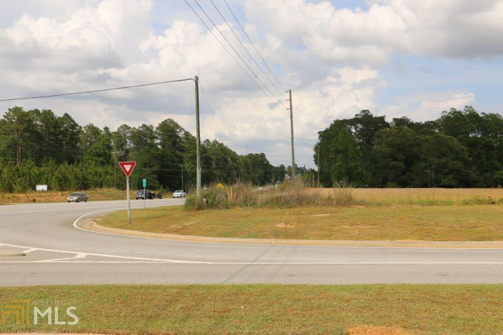 View Slide 14 for listing 8176030