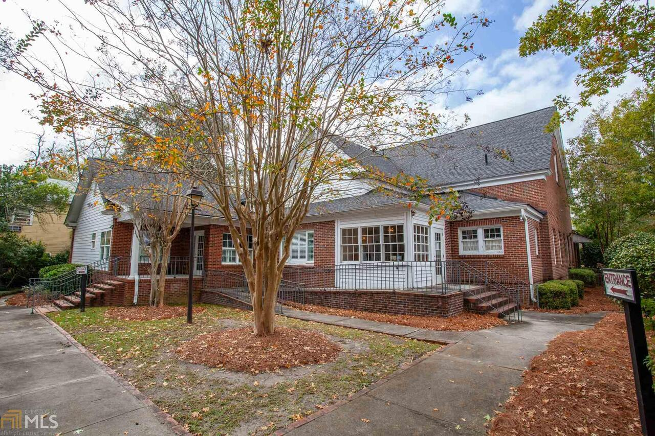 View Slide 5 for listing 8888771
