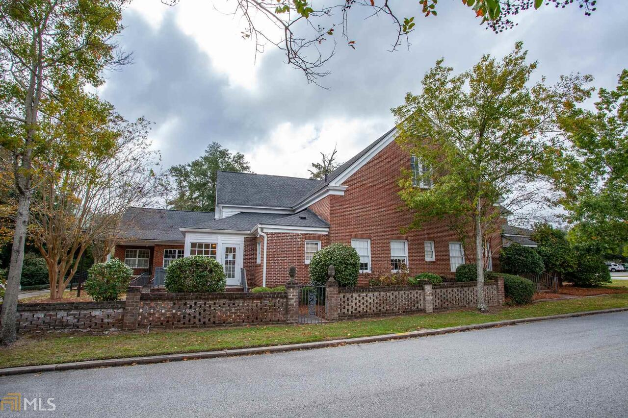 View Slide 6 for listing 8888771