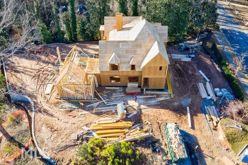 View Slide 27 for listing 8916639