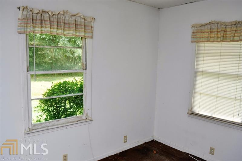 View Slide 9 for listing 8919929