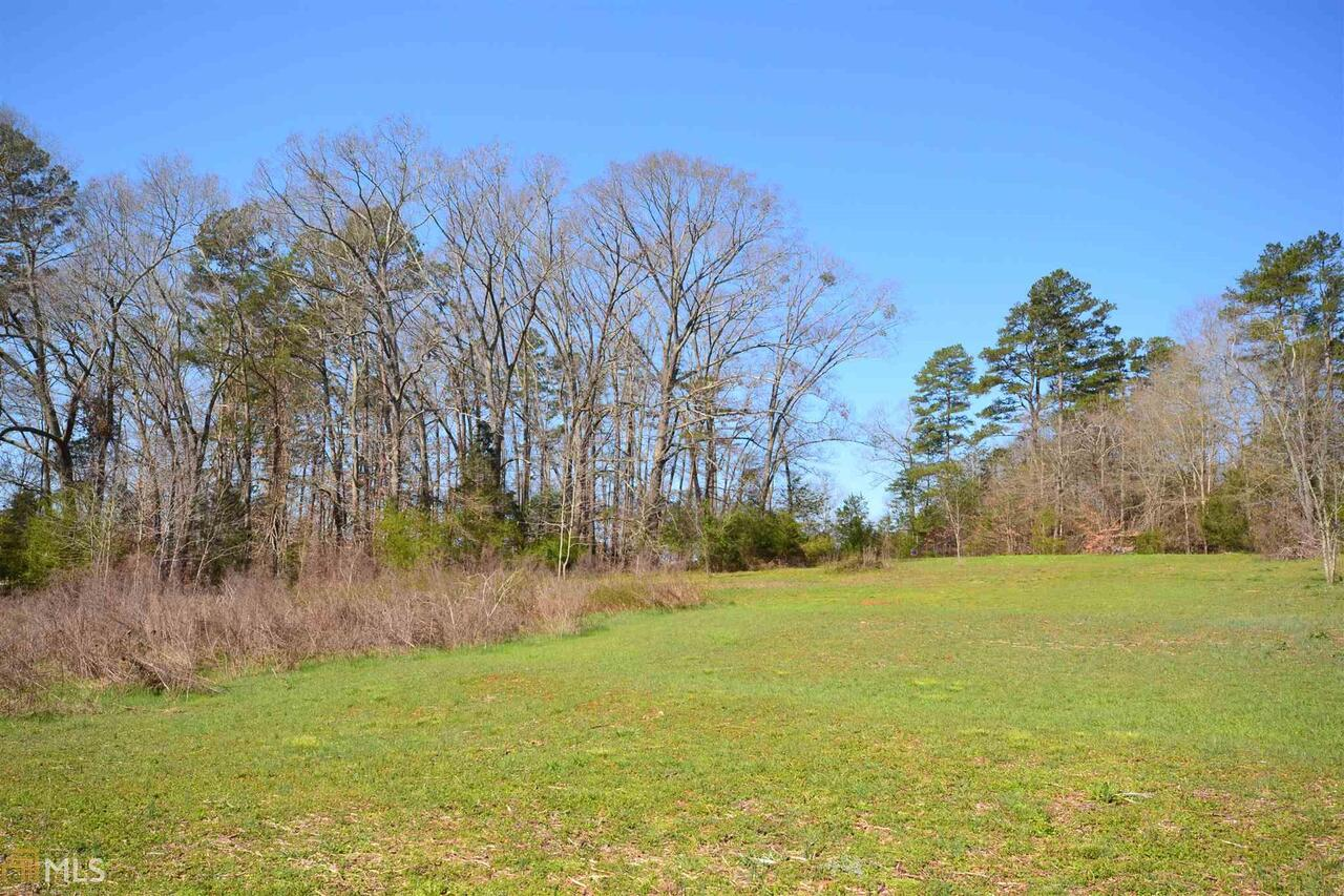 Photo of home for sale at 506 Ramey Overlook Drive, Westminster SC