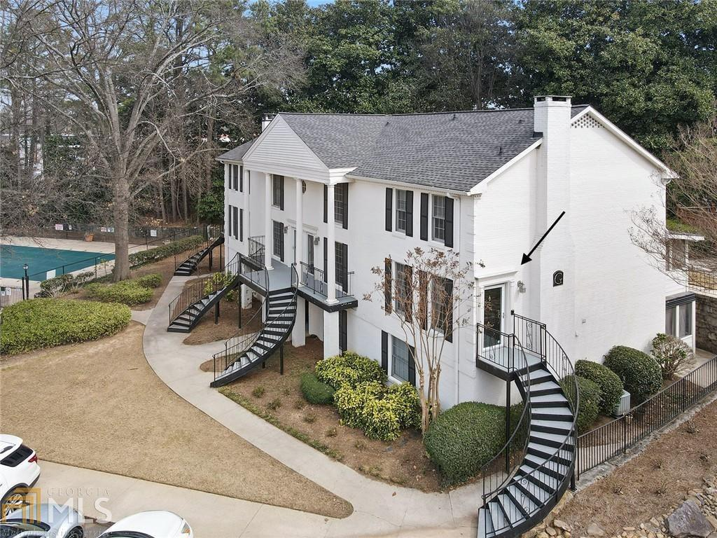 View Slide 0 for listing 8950658