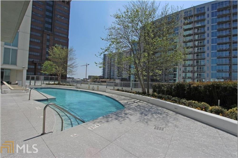 View Slide 25 for listing 8924145
