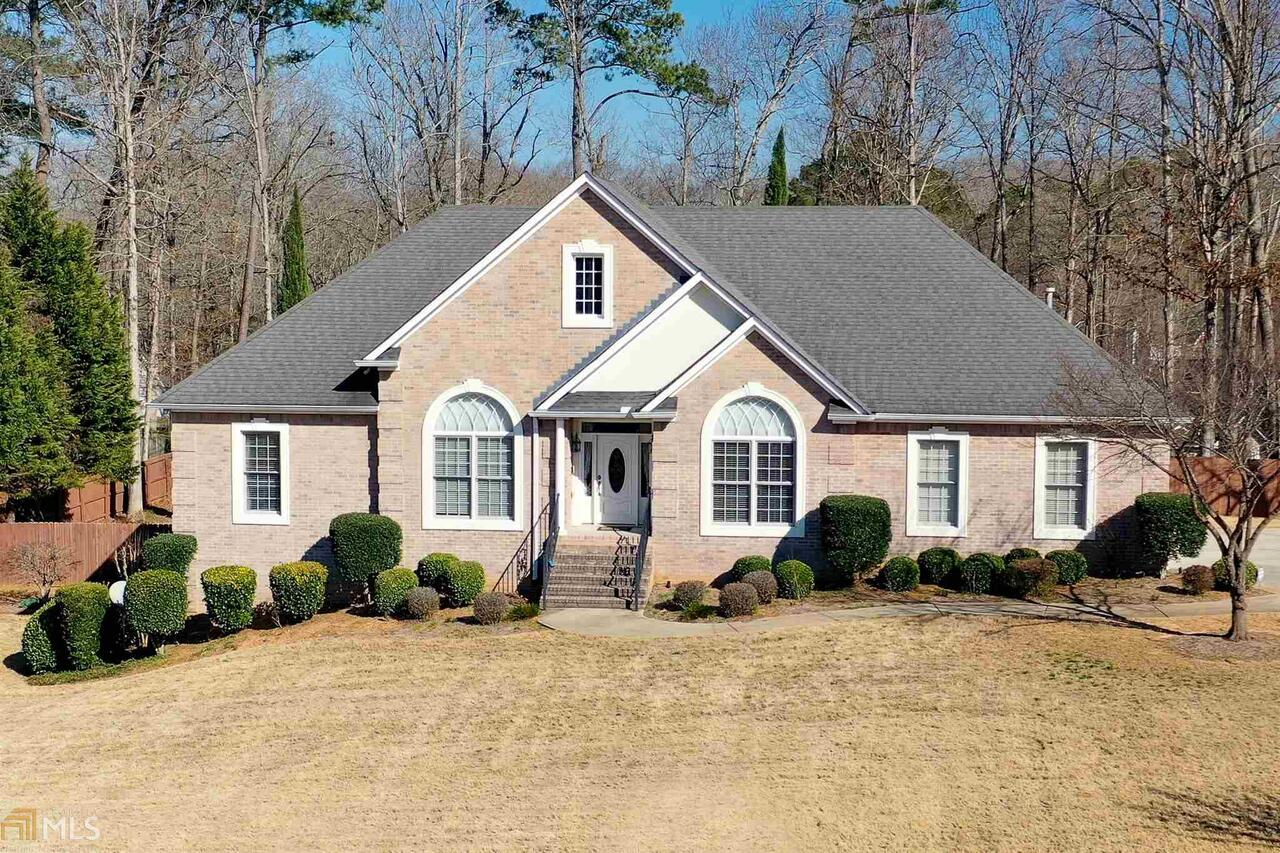 View Slide 0 for listing 8933087