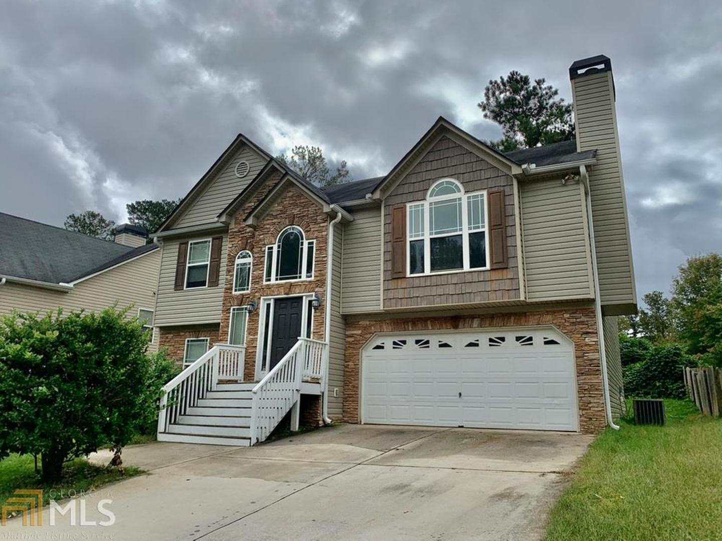 View Slide 0 for listing 8872704