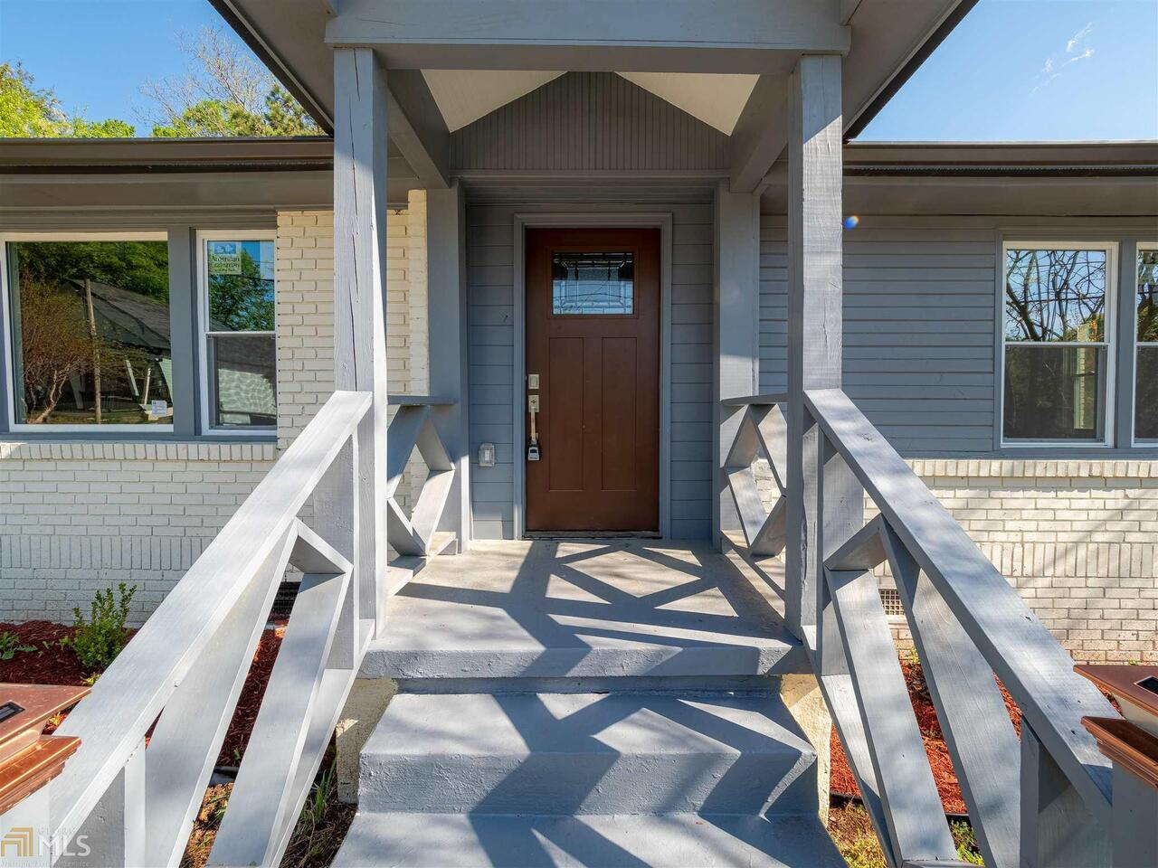 View Slide 3 for listing 8975856