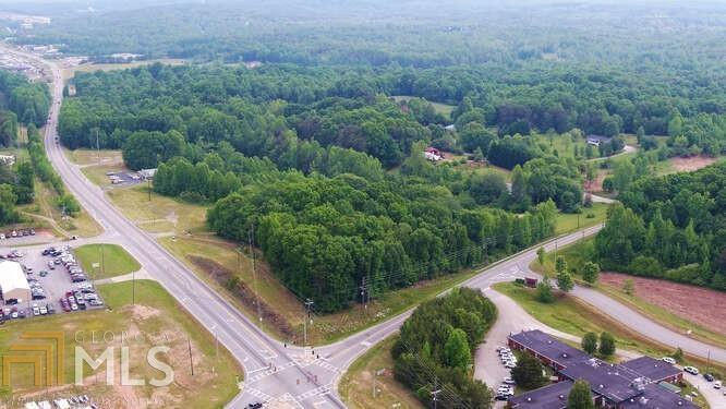 View Slide 5 for listing 8977358