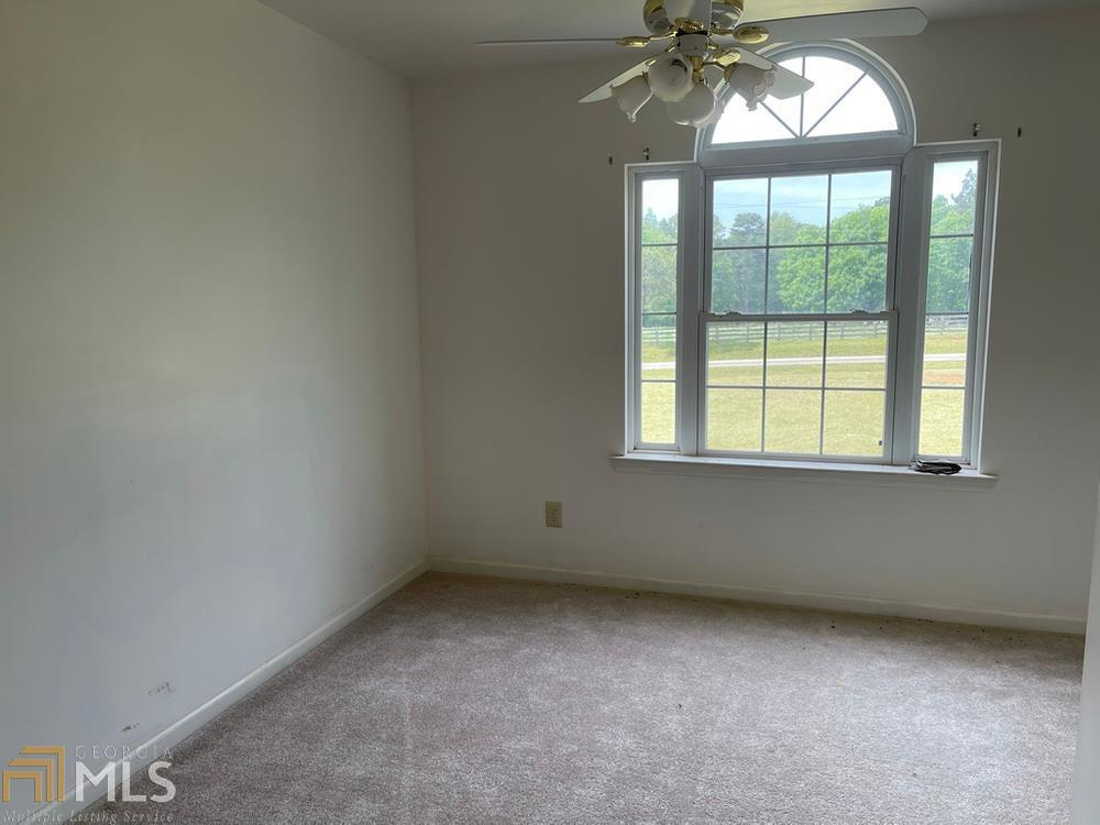 View Slide 22 for listing 8985275