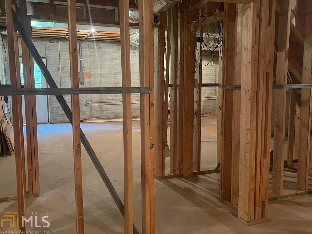View Slide 34 for listing 8985275