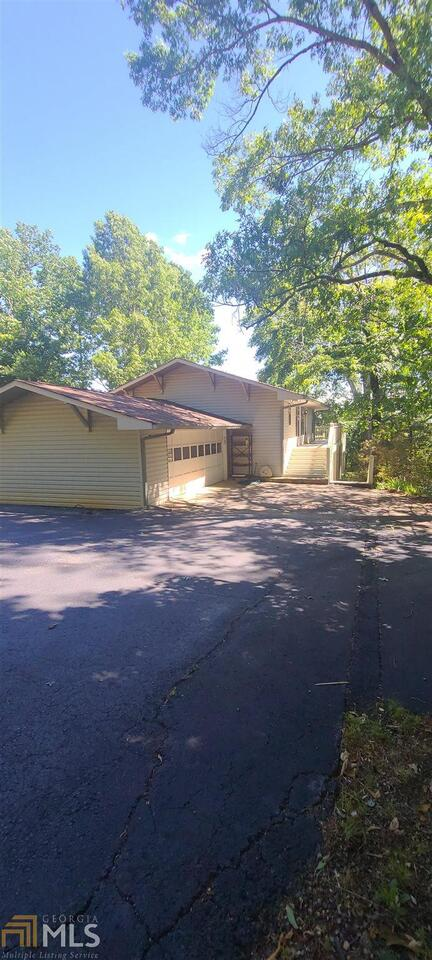 View Slide 0 for listing 8987324