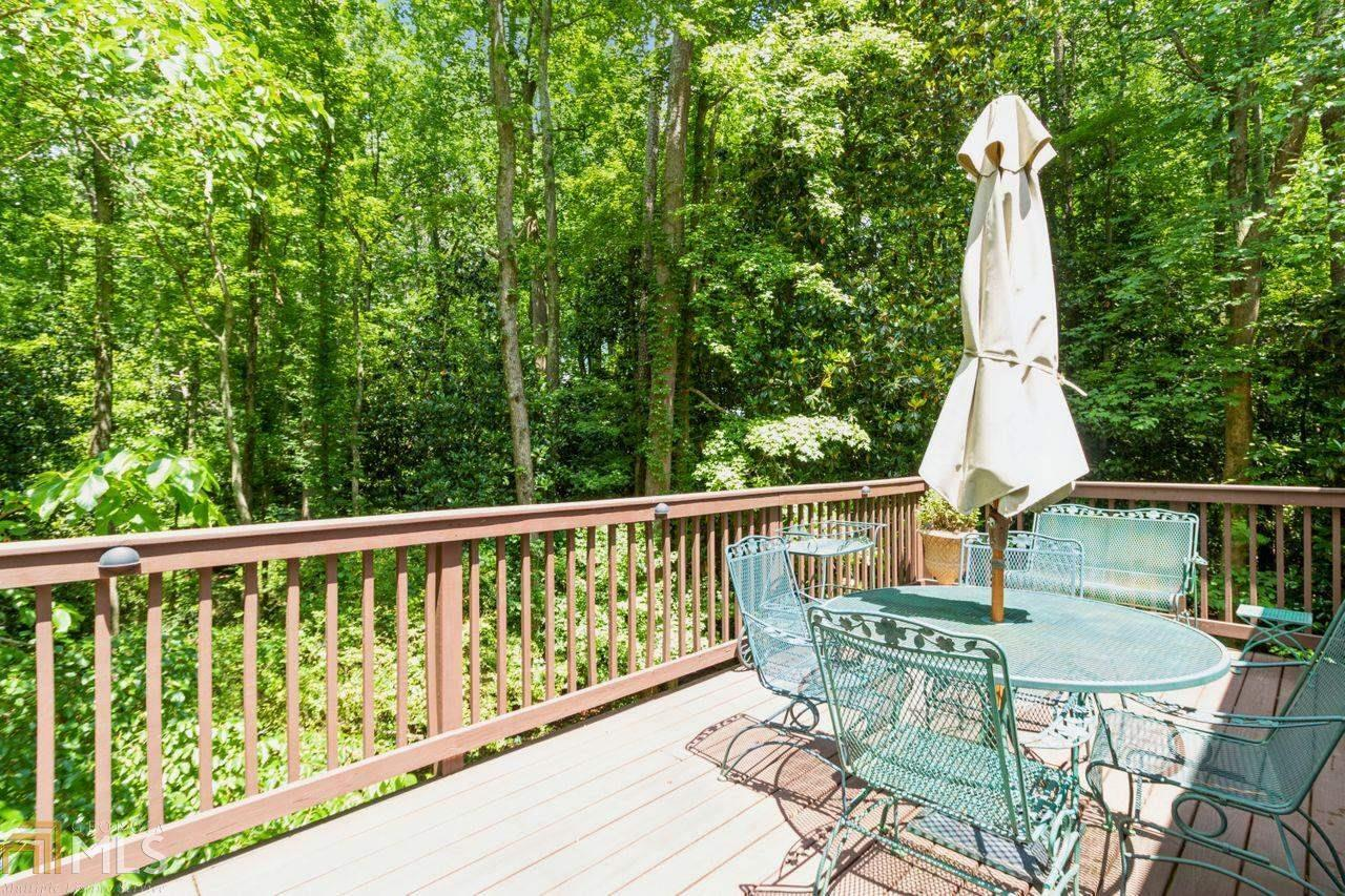 View Slide 31 for listing 8984650