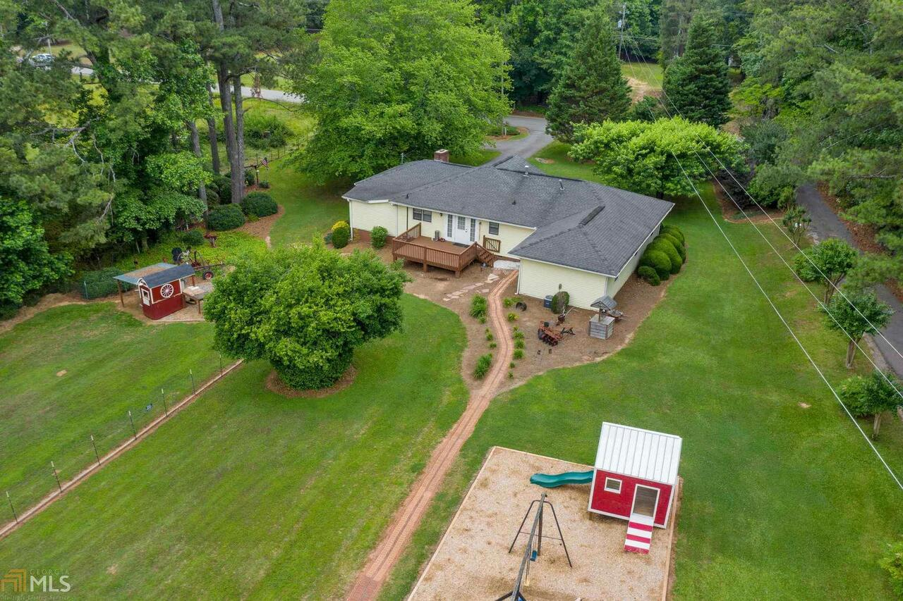 View Slide 15 for listing 8995647