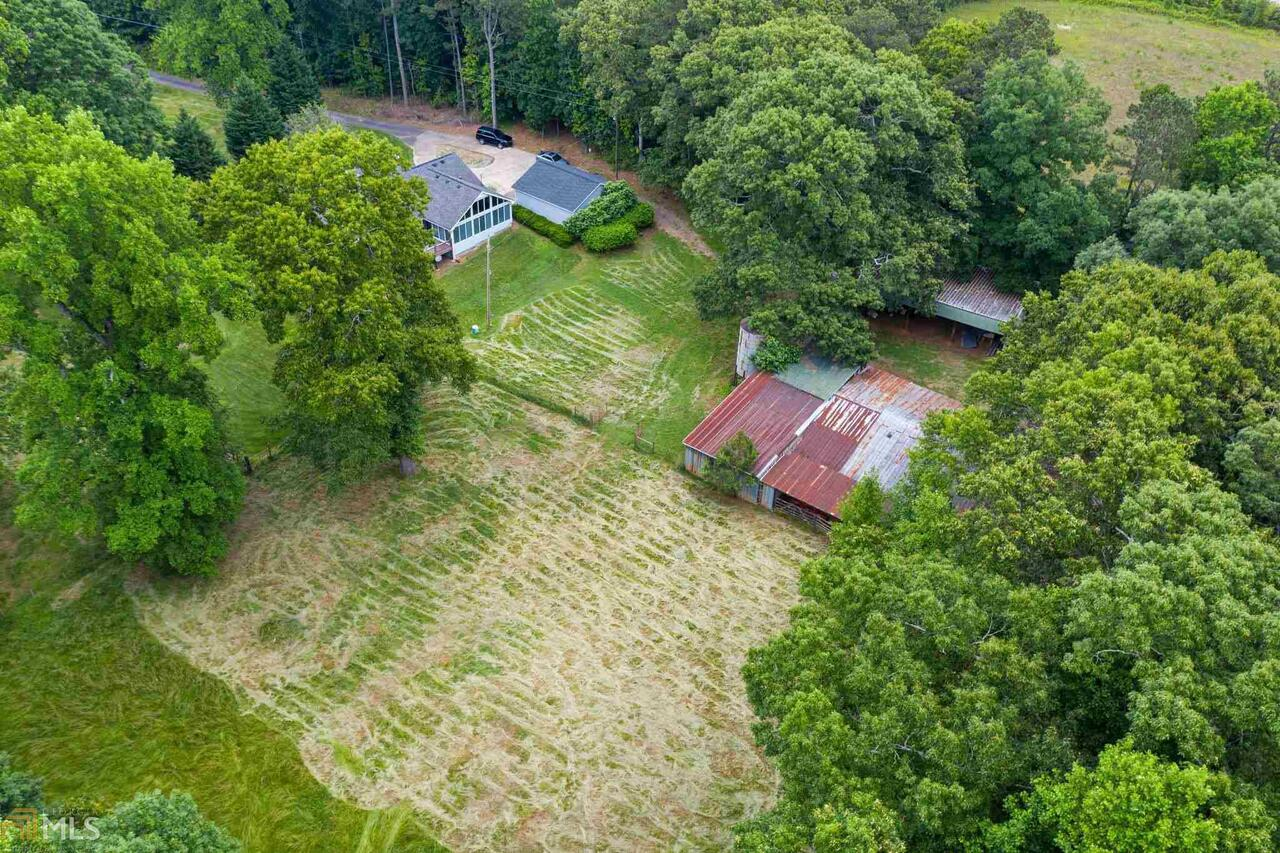 View Slide 17 for listing 8995647