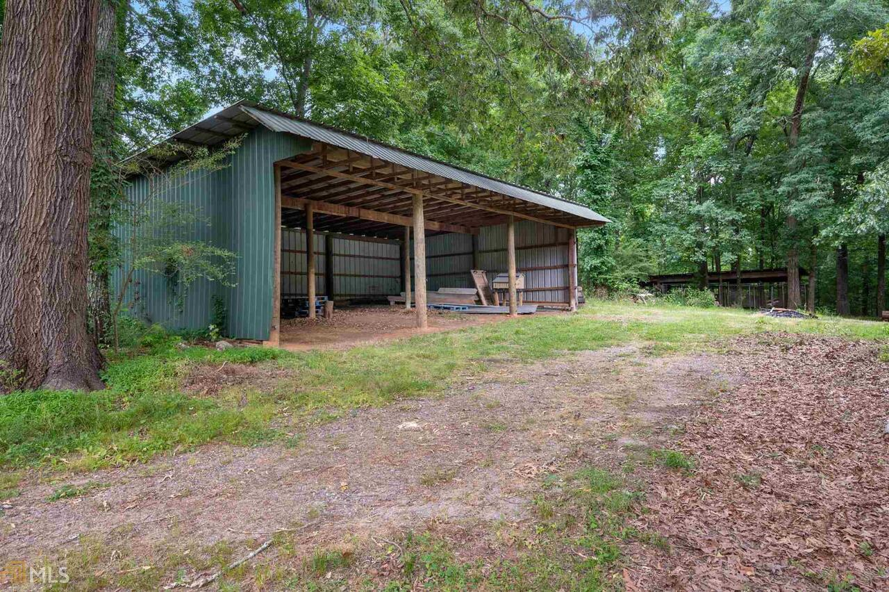 View Slide 26 for listing 8995647
