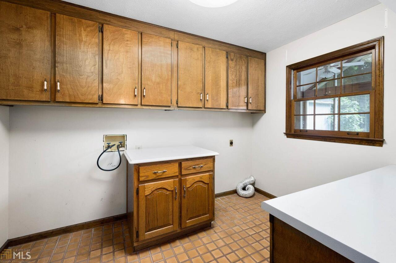 View Slide 37 for listing 8995647
