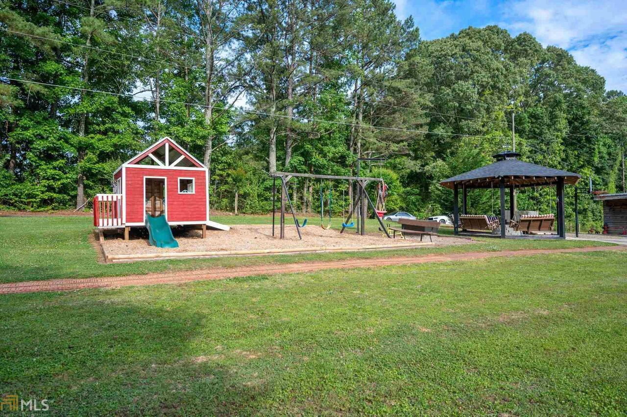 View Slide 3 for listing 8995647