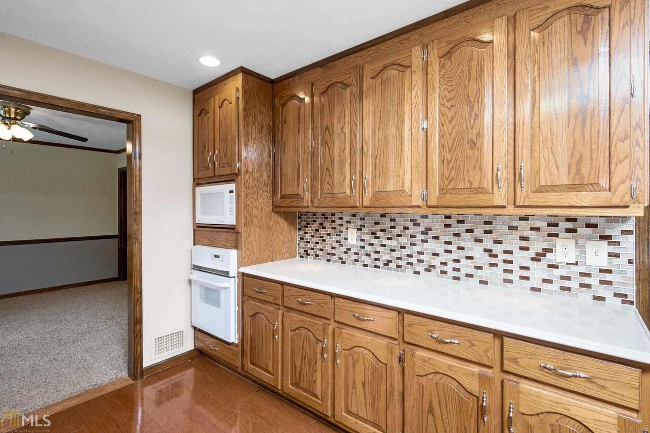 View Slide 41 for listing 8995647