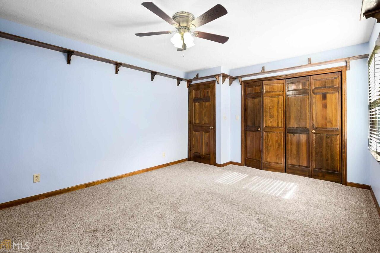 View Slide 50 for listing 8995647
