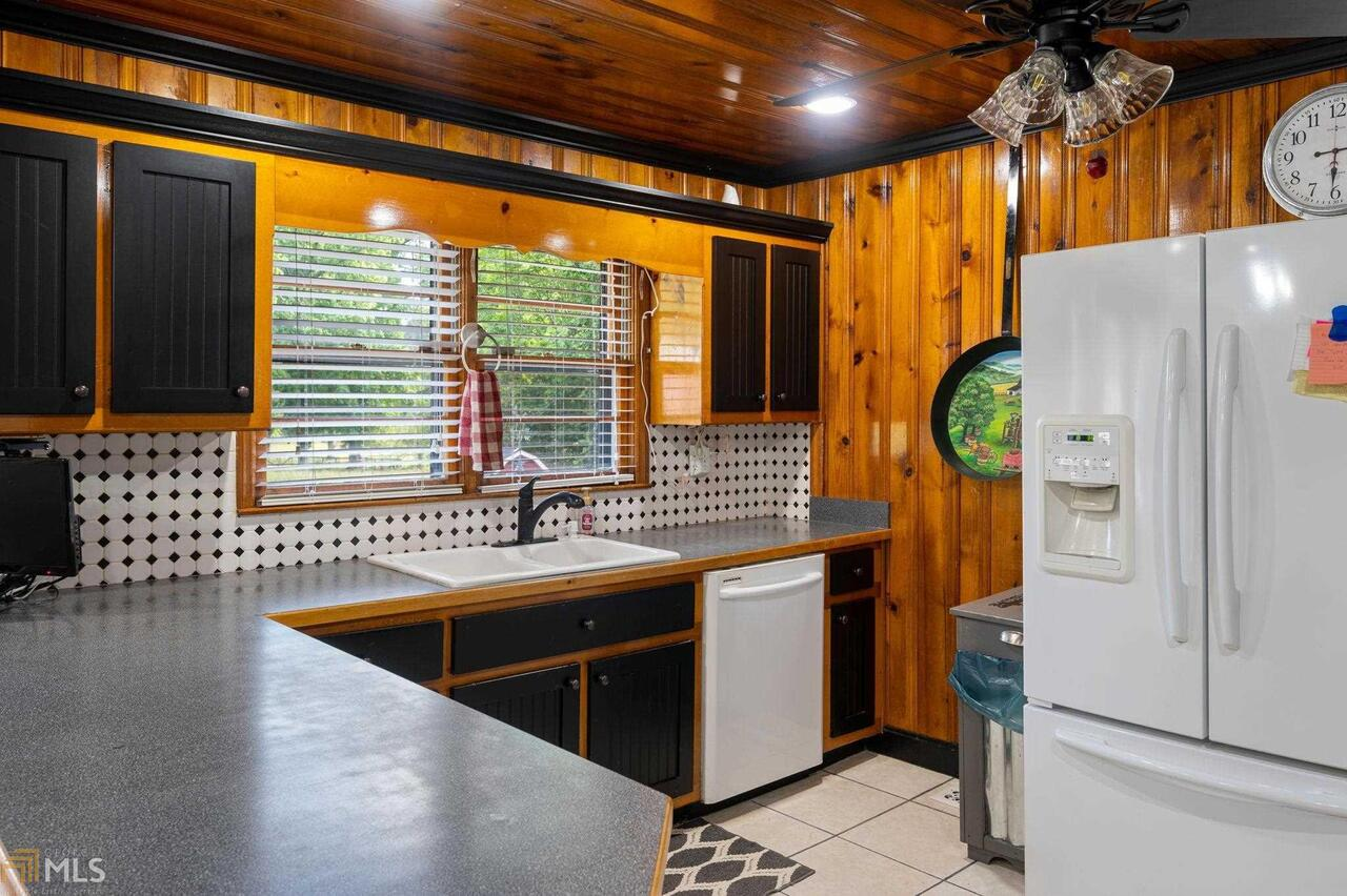 View Slide 84 for listing 8995647