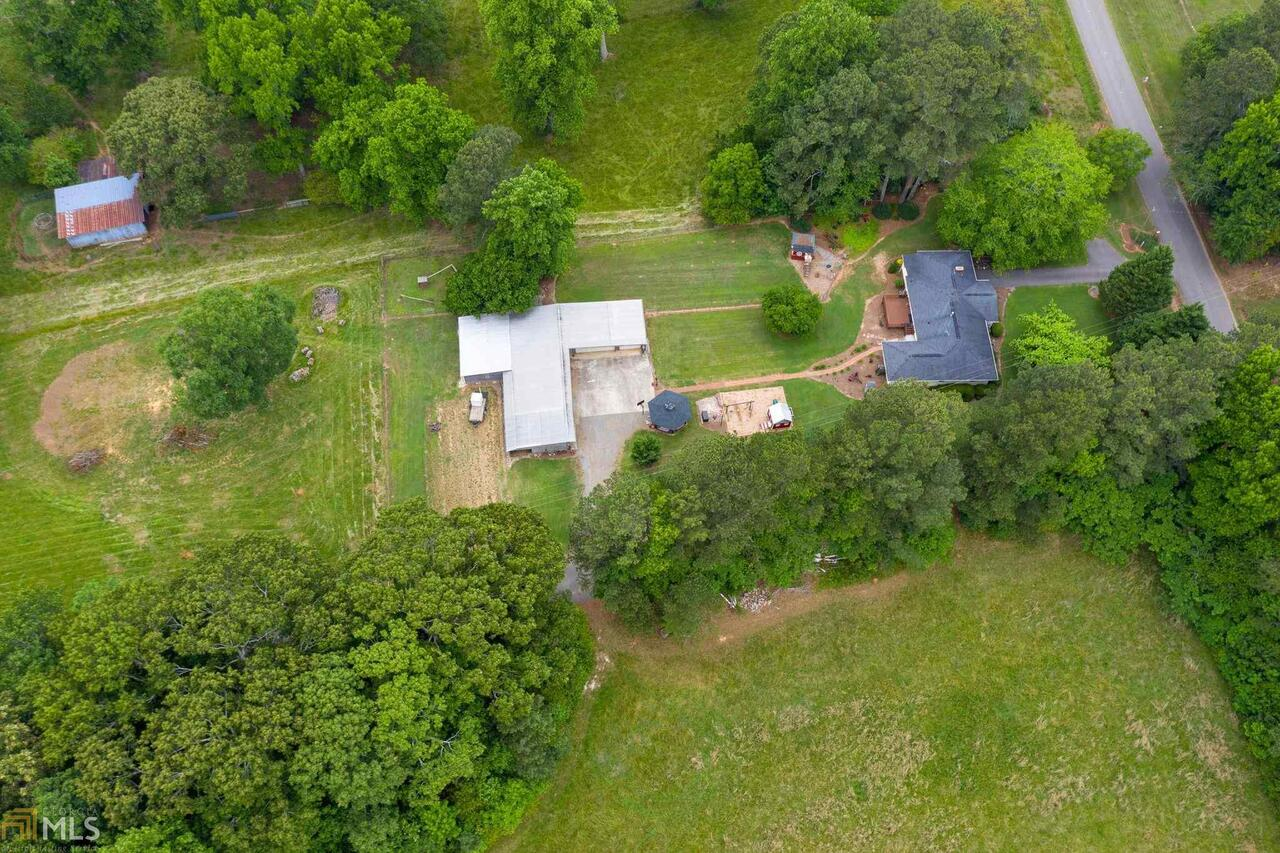 View Slide 9 for listing 8995647