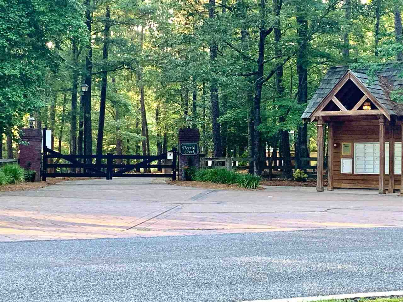 View Slide 12 for listing 8997961