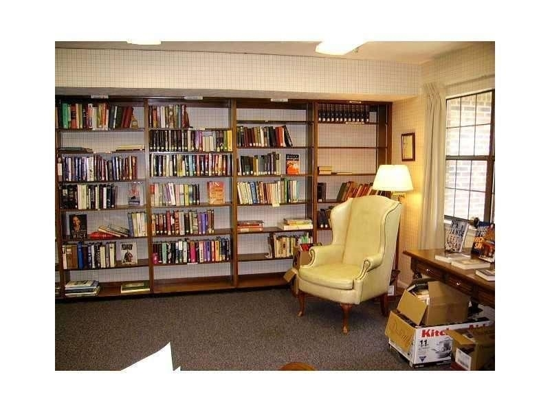 View Slide 11 for listing 9002289