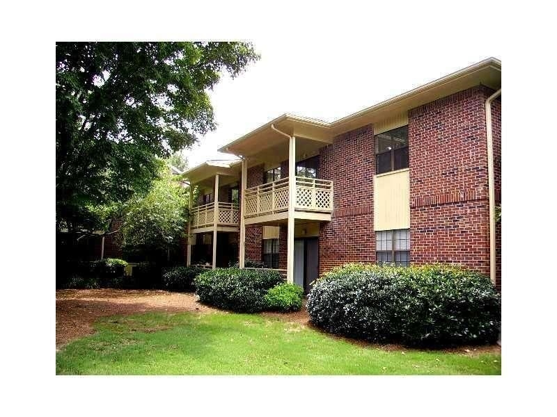 View Slide 4 for listing 9002289