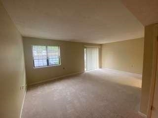 View Slide 15 for listing 9002289