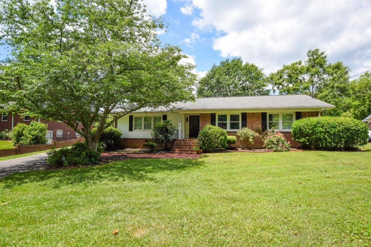 View Slide 0 for listing 8989148