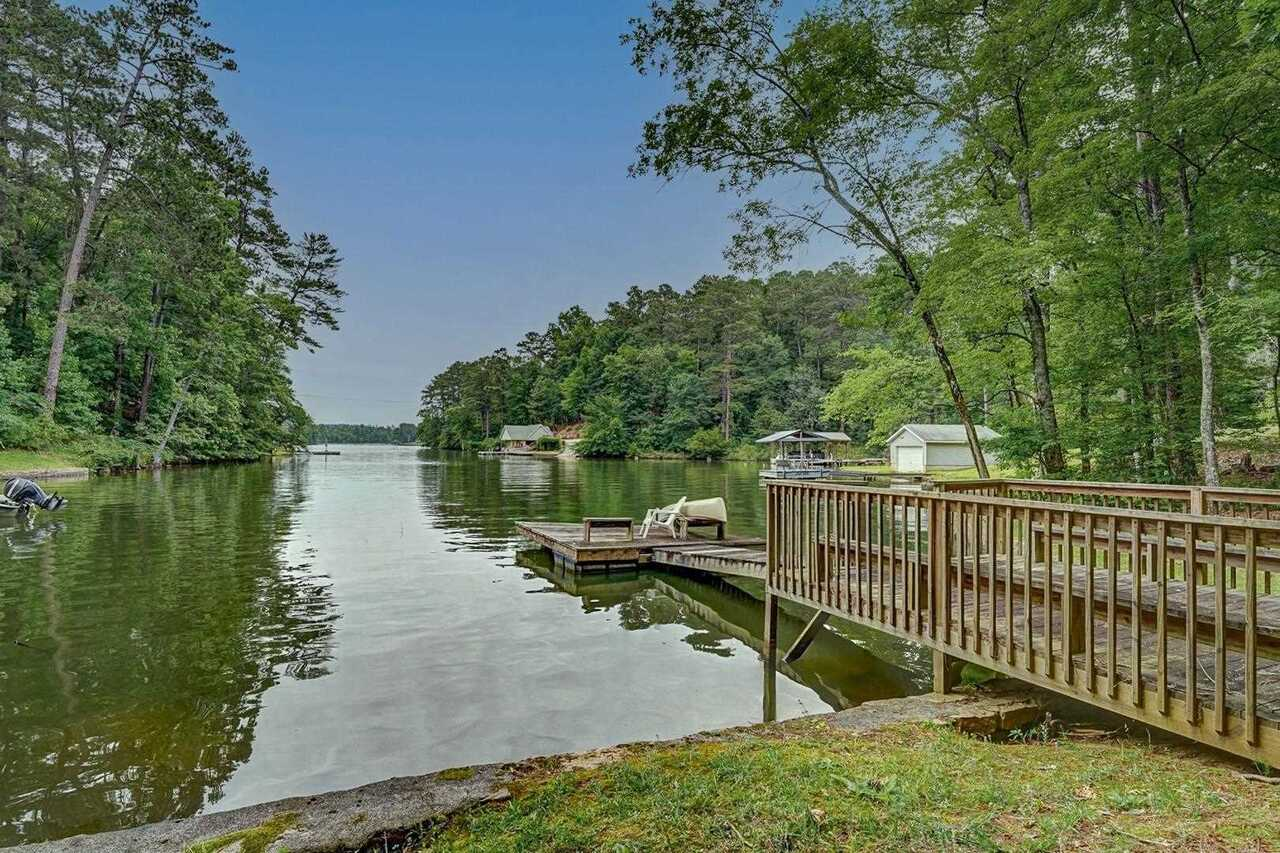 View Slide 54 for listing 8991259