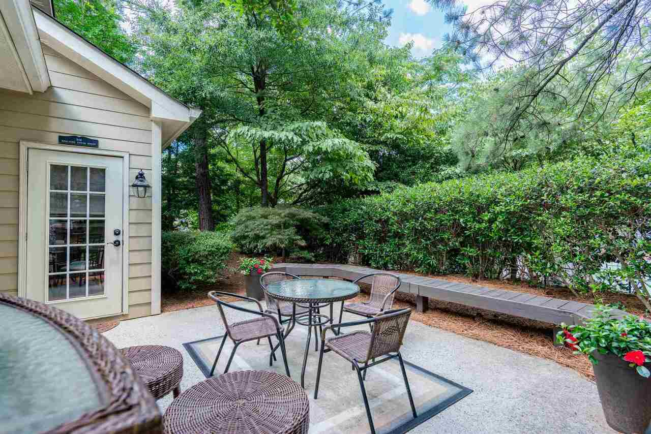 View Slide 42 for listing 9008362