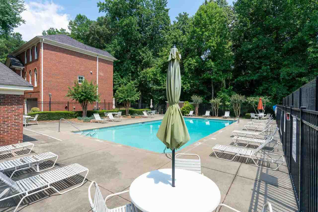 View Slide 49 for listing 9008362