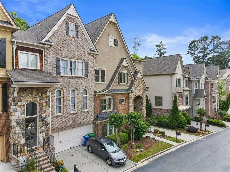 View Slide 0 for listing 9009301