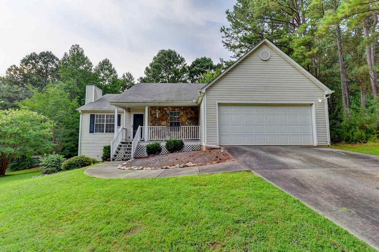 View Slide 0 for listing 9011361